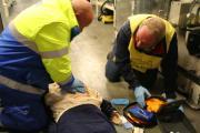 Reanimatie met AED door EHBO-leden