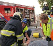 EHBO vereniging en brandweer Wilnis werken samen tijdens oefening